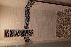 Daisy from Hummingbird Tiny Housing - custom tile shower with nitch (Custom)