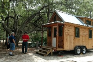 Sweet Pea Tiny House by Hummingbird tiny housing