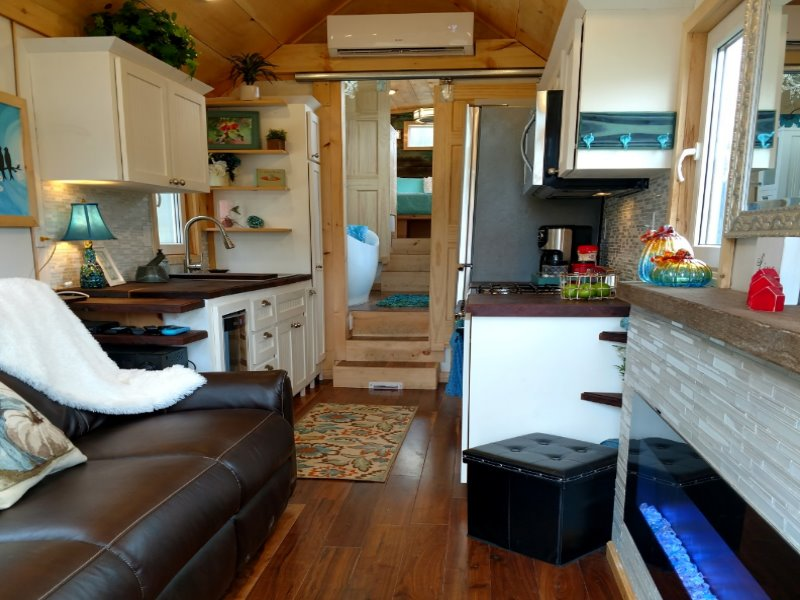 Features of a hummingbird tiny house